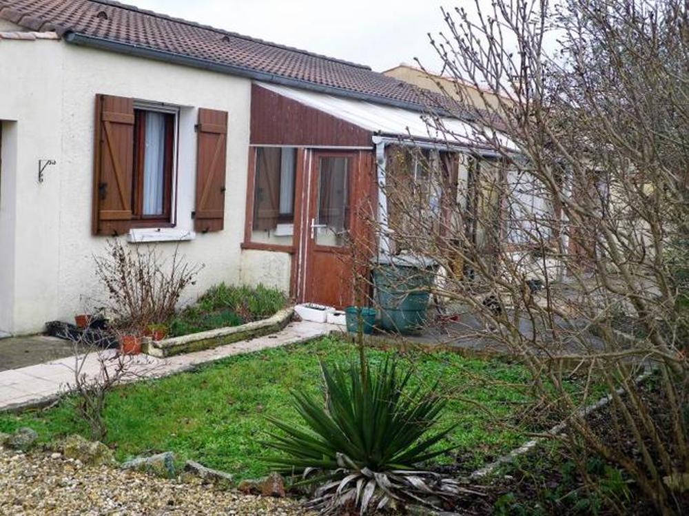Beauvais-sur-Matha Charente-Maritime huis foto 3318822