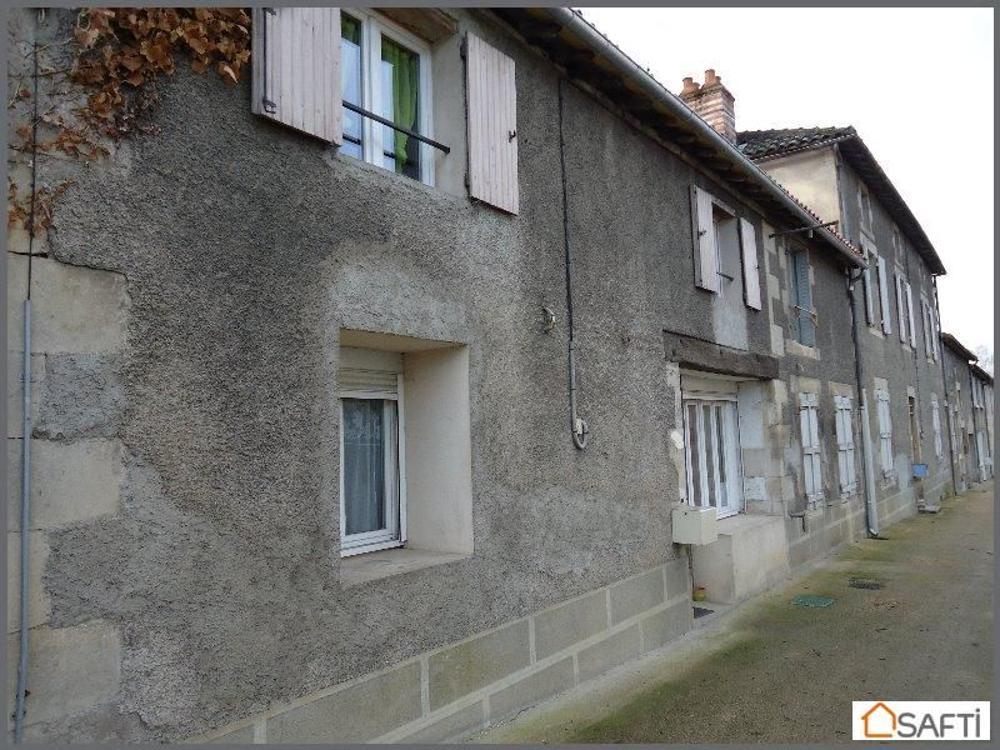 Lussac-les-Châteaux Vienne Schloss Bild 3330868