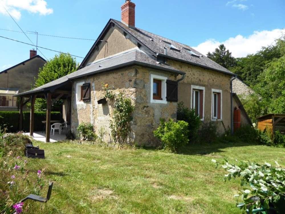 Saint-Saulge Nièvre freistehend Bild 4408383