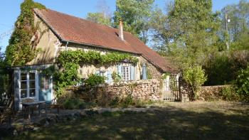 Lormes Nièvre vrijstaand foto 4407878