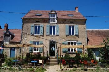 Châtillon-en-Bazois Nièvre Freistehend foto