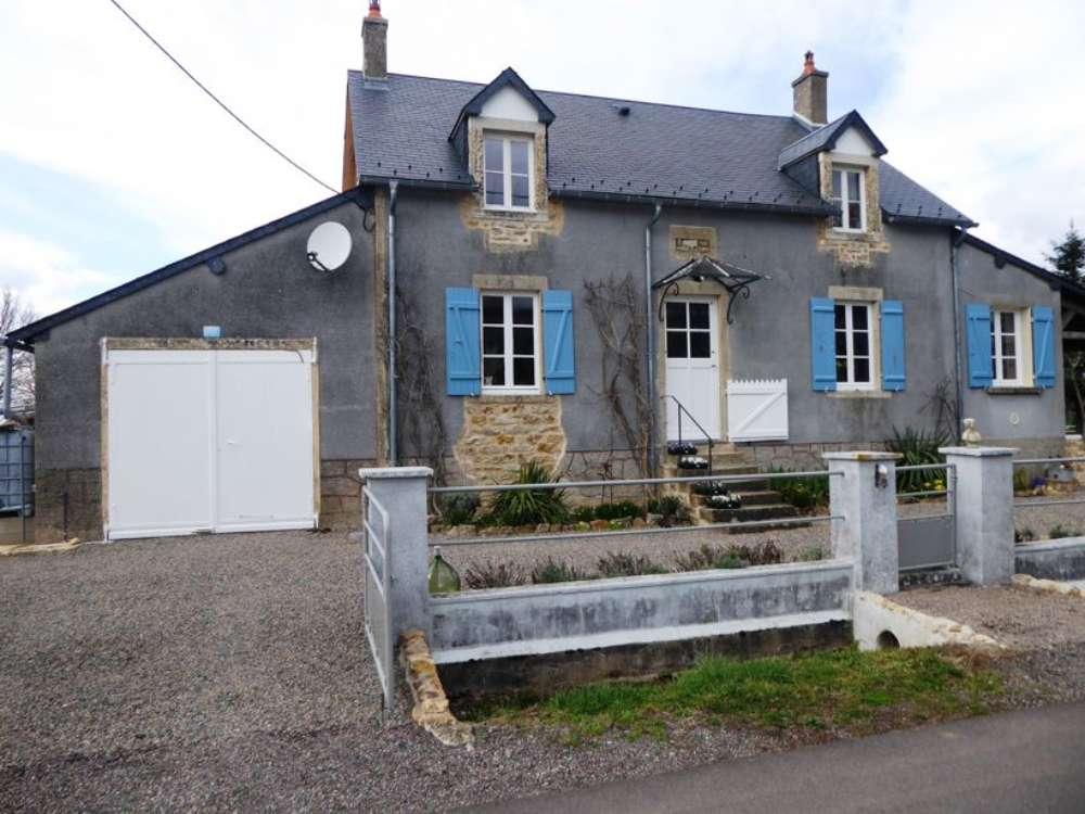 Château-Chinon Nièvre vrijstaand foto 4473328