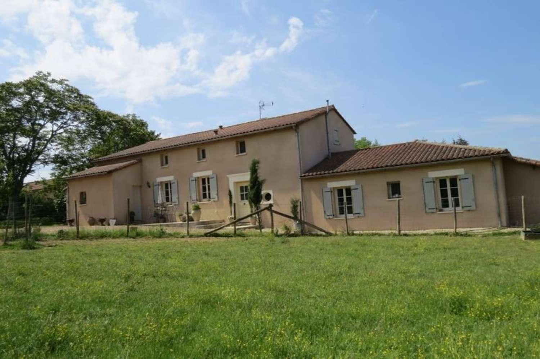 te koop villa Saint-Sulpice-de-Ruffec Poitou-Charentes 1