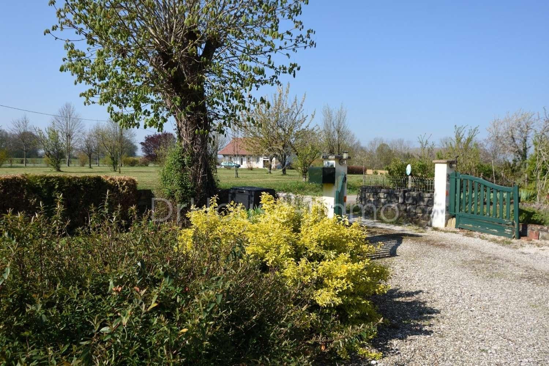 Chapelle-Voland Jura Landgut Bild 4517239