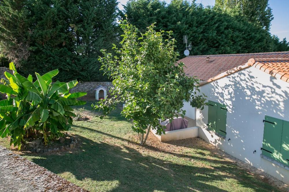 Bazoges-en-Pareds Vendée maison photo 3444882
