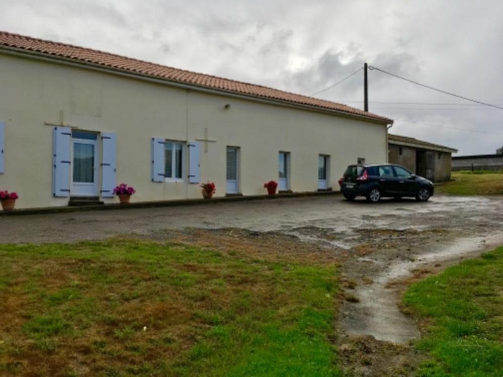 Cirière Deux-Sèvres huis foto 3462203