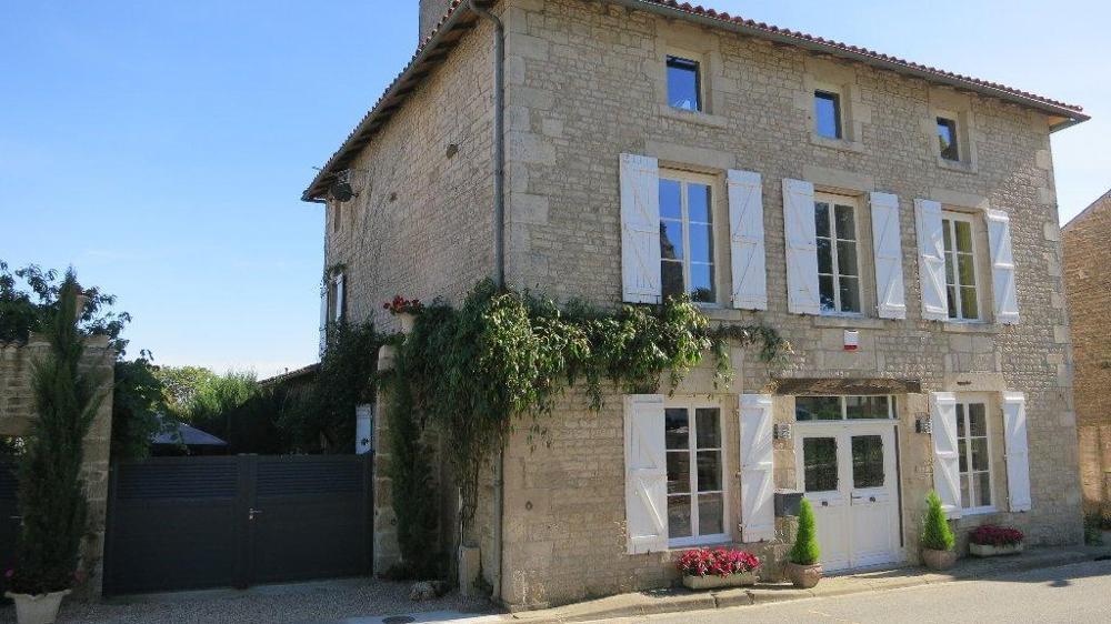 Tillou Deux-Sèvres dorpshuis foto 3481712