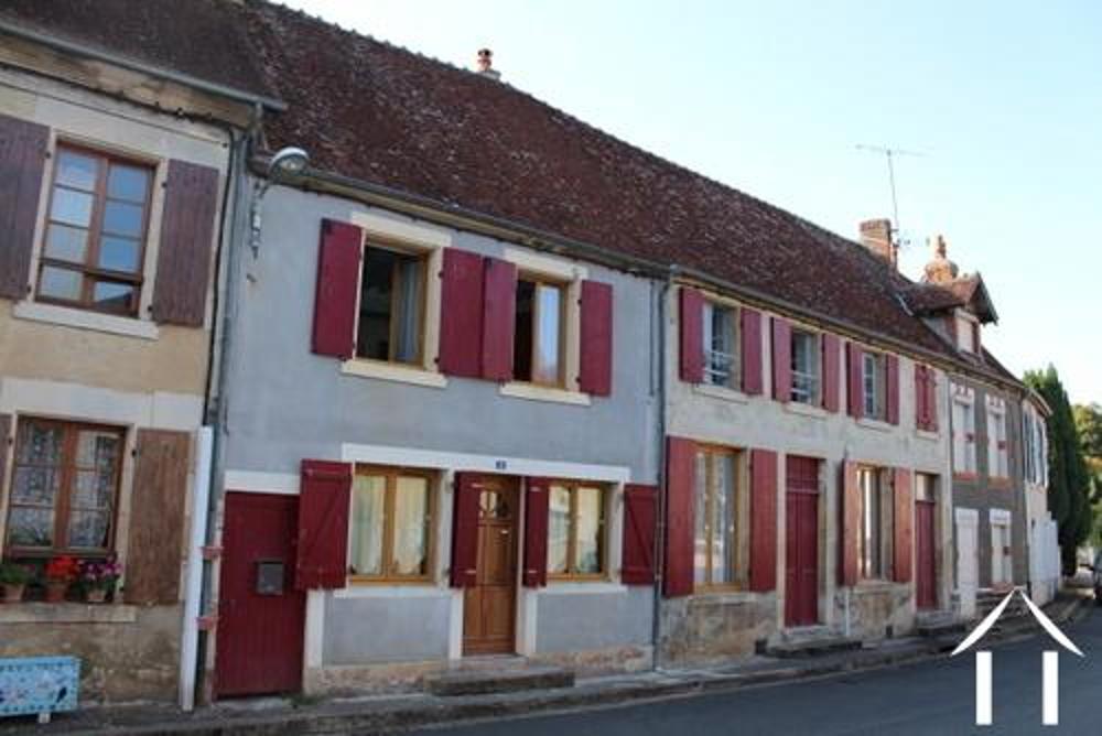 Menou Nièvre Dorfhaus Bild 3477601