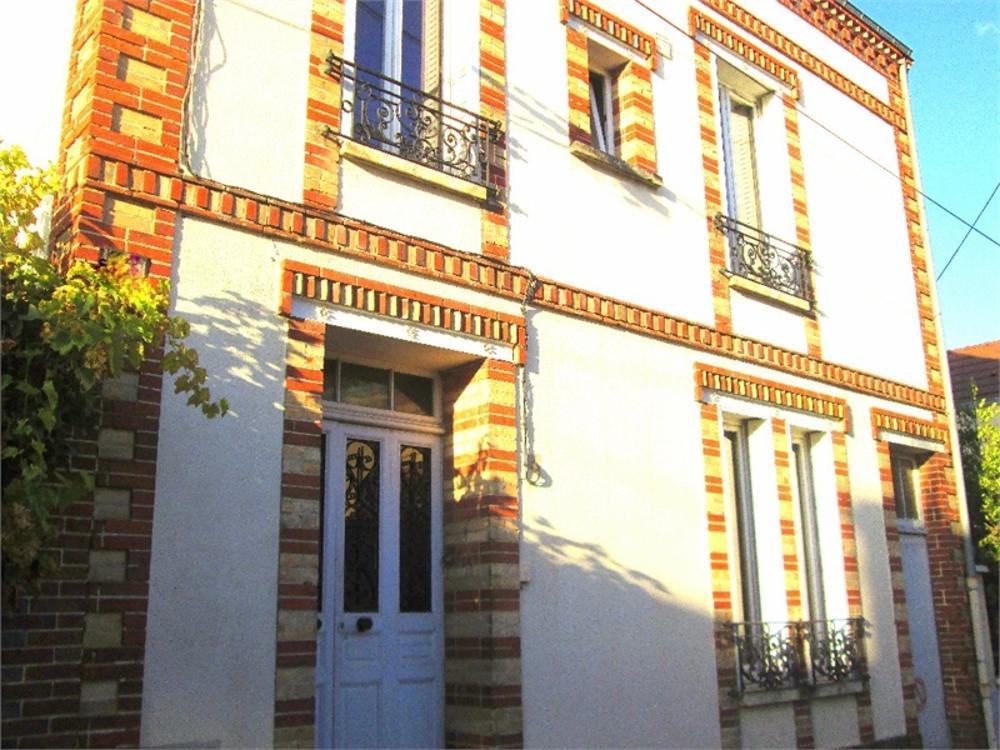 Sens Yonne Haus Bild 3617391