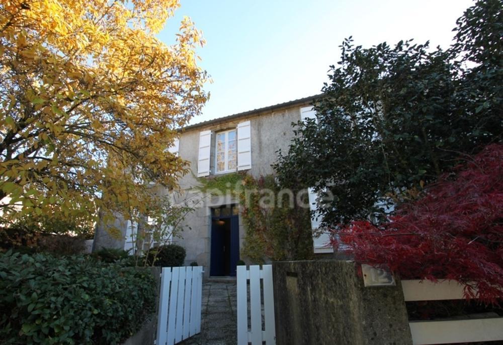 Saint-Étienne-du-Bois Vendée Haus Bild 3600144