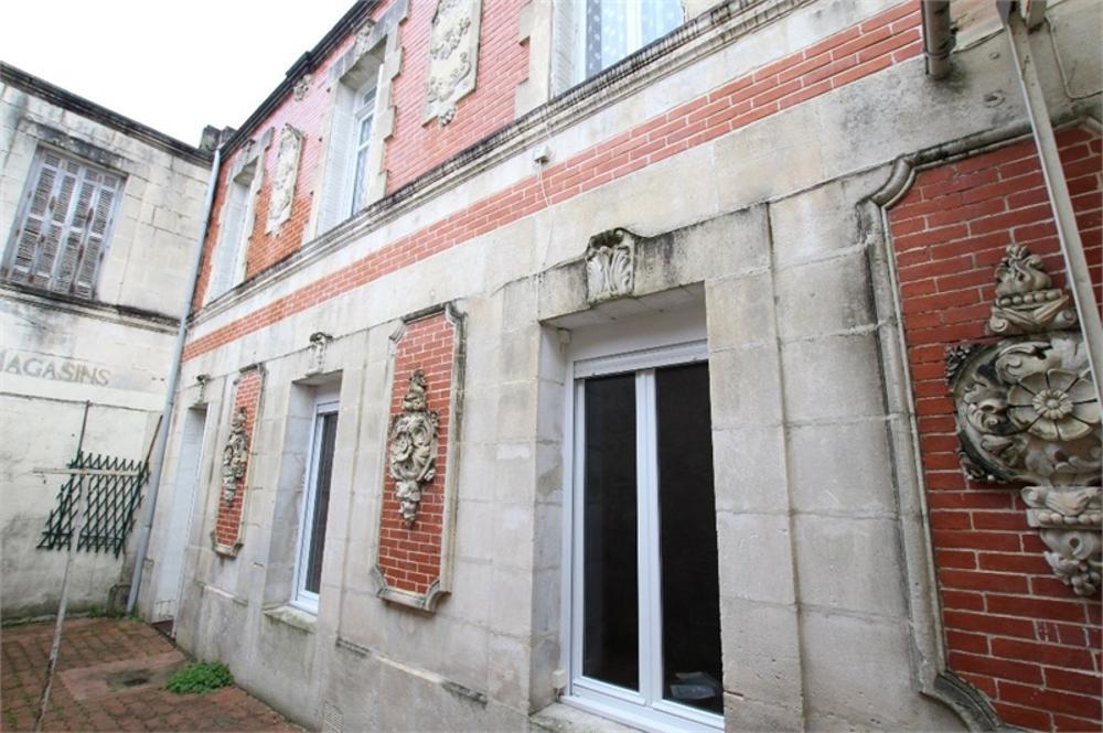 Saint-Jean-d'Angély Charente-Maritime Stadthaus Bild 3614688