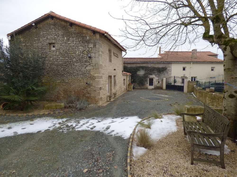 Saint-Denis Deux-Sèvres Haus Bild 3763485