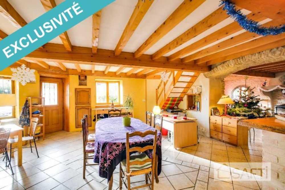 Crémieu Isère huis foto 3796031