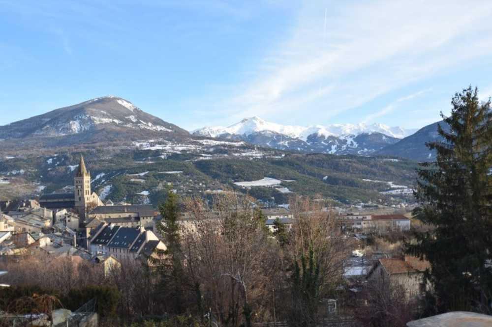 Embrun Hautes-Alpes maison photo 3840065