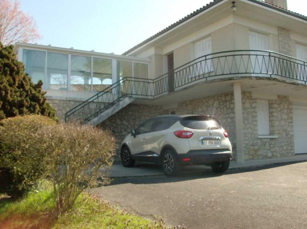 Confolens Charente maison photo 3791654