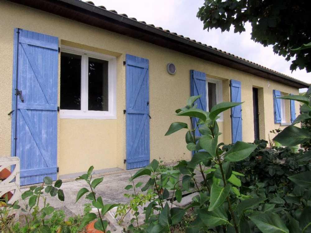 Lussac-les-Châteaux Vienne Haus Bild 3834595