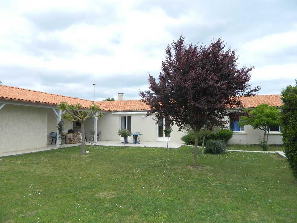 Épannes Deux-Sèvres Haus Bild 3765340