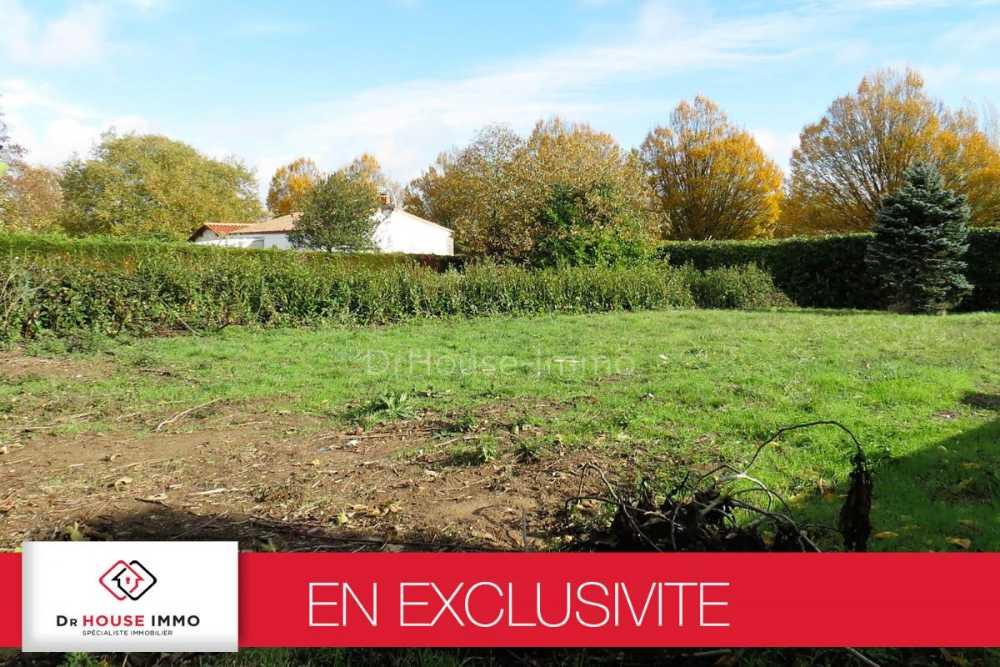 Saint-Hilaire-la-Forêt Vendée terrain picture 3863535