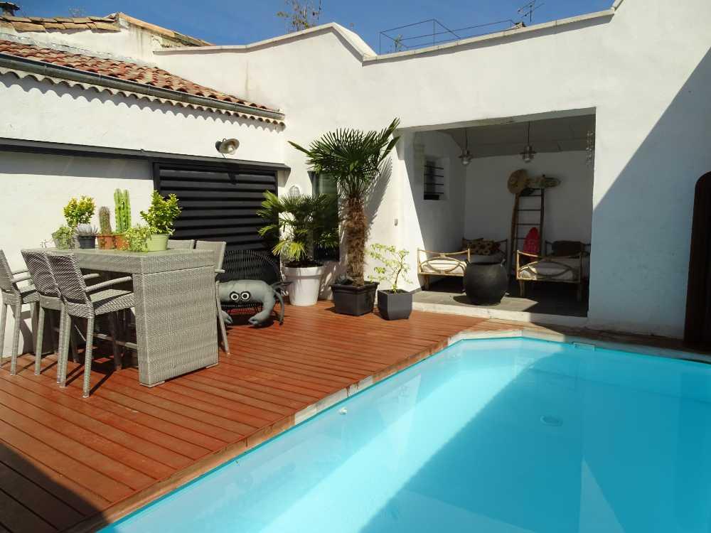 Nîmes Gard Villa Bild 4007537