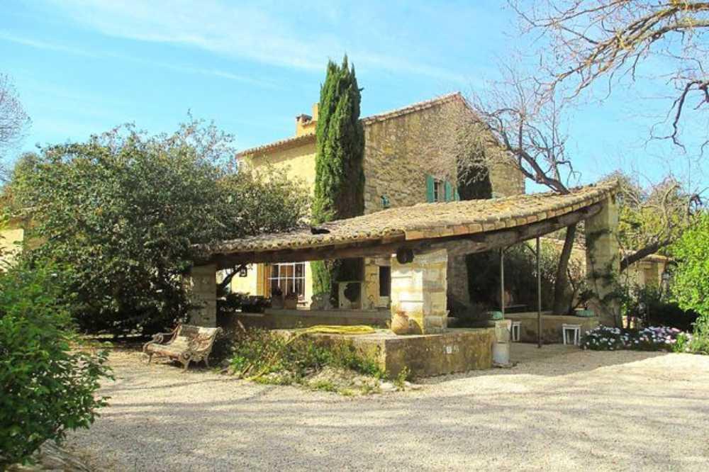 Barbentane Bouches-du-Rhône Landgut Bild 3933775