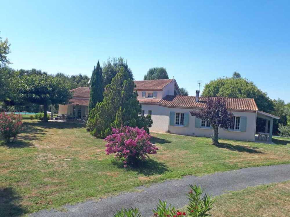 Saint-Sylvestre-sur-Lot Lot-et-Garonne huis met gîte foto 4043722
