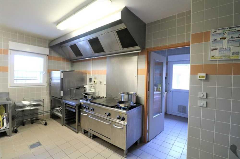Saint-Jean-de-Losne Côte-d'Or commercial picture 4045866