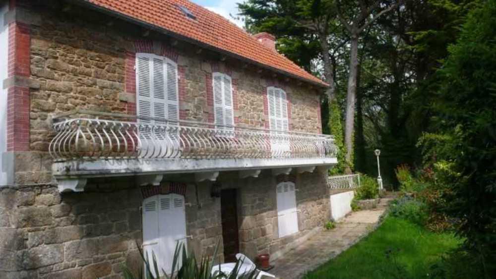 Lannion Côtes-d'Armor huis foto 4083119