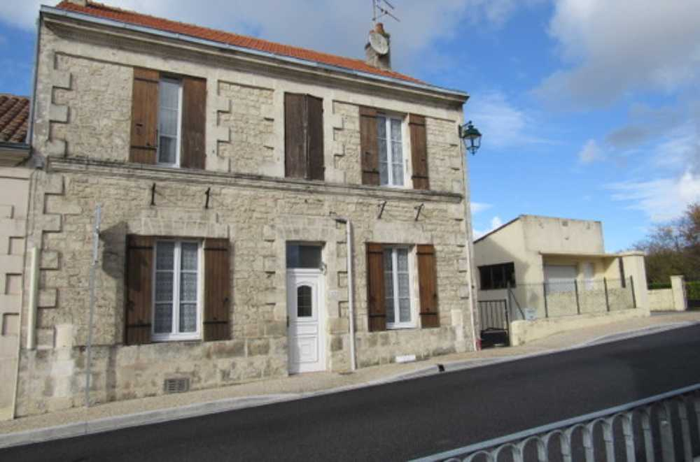 Saint-Savinien Charente-Maritime huis foto 4088638