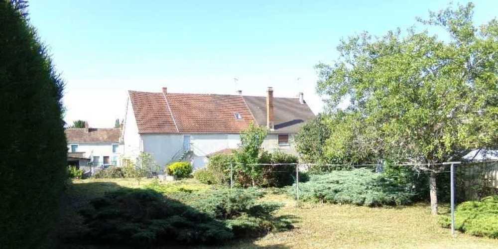 Cosne-Cours-sur-Loire Nièvre huis foto 4082646