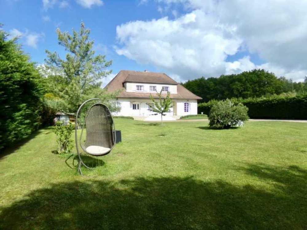 Cosne-Cours-sur-Loire Nièvre huis foto 4080653