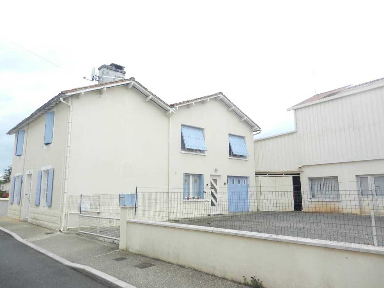 Lezay Deux-Sèvres house picture 4249883