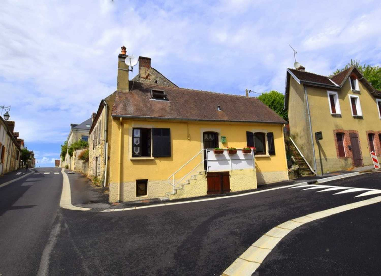 Ceton Orne village house picture 4248704