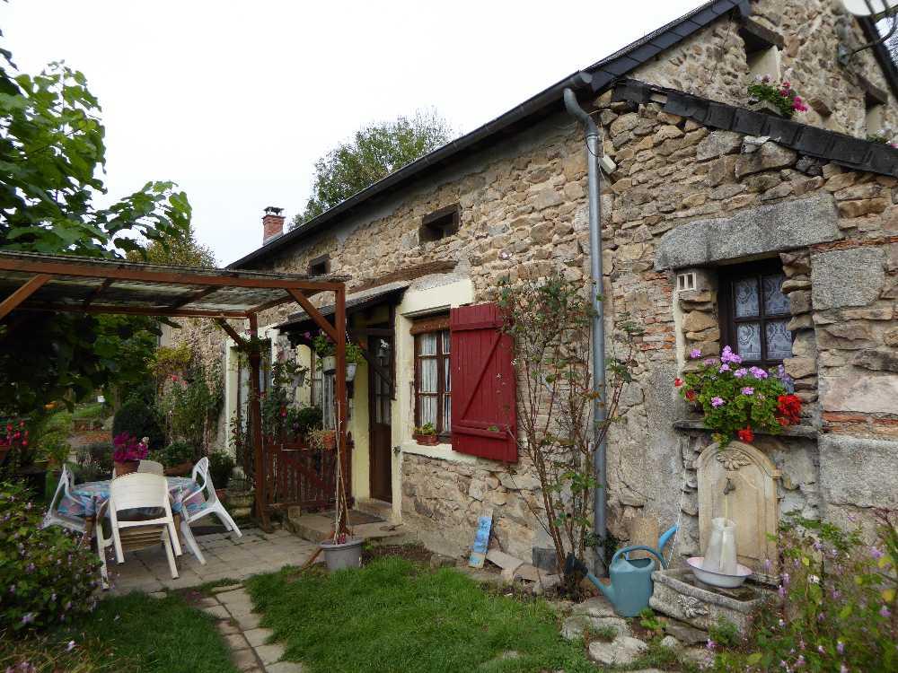 Luzy Nièvre huis foto 4237489