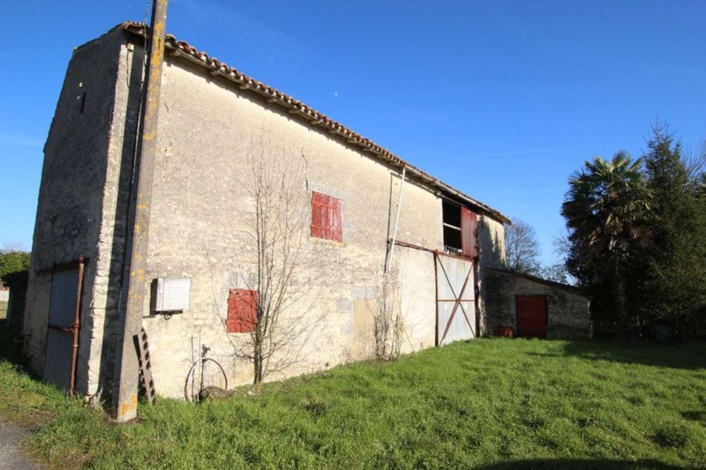 Tonnay-Boutonne Charente-Maritime schuur foto 4339690