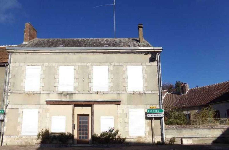 Saint-Amand-en-Puisaye Nièvre huis foto 4281701