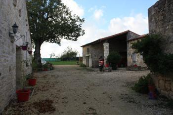 Saint-Savinien Charente-Maritime huis foto 4646950