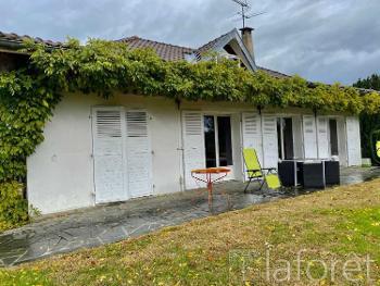 La Tour-du-Pin Isère huis foto 4637509