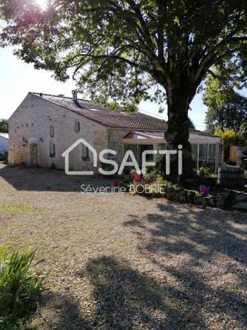 Saint-Savinien Charente-Maritime huis foto 4657424