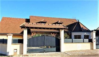 Cry Yonne Haus Bild 4663060