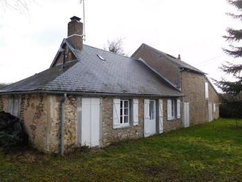 Cercy-la-Tour Nièvre vrijstaand foto 4706812
