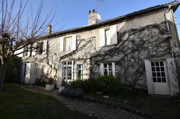 Saint-Jean-d'Angély Charente-Maritime huis foto 4702139