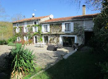 Mirepoix Ariège estate foto