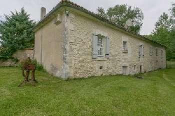 Lagarde-sur-le-Né Charente huis foto 4797900