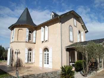 Bagnères-de-Bigorre Hautes-Pyrénées huis foto 4900585