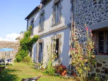Vic-sur-Cère Cantal boerderij foto 5782647
